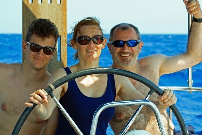 2.Sailing Family