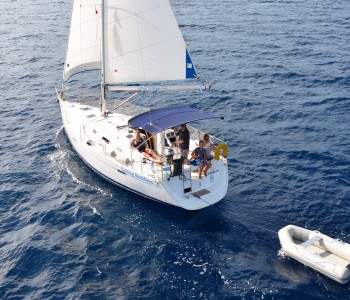 Beneteau 343 Sailing along