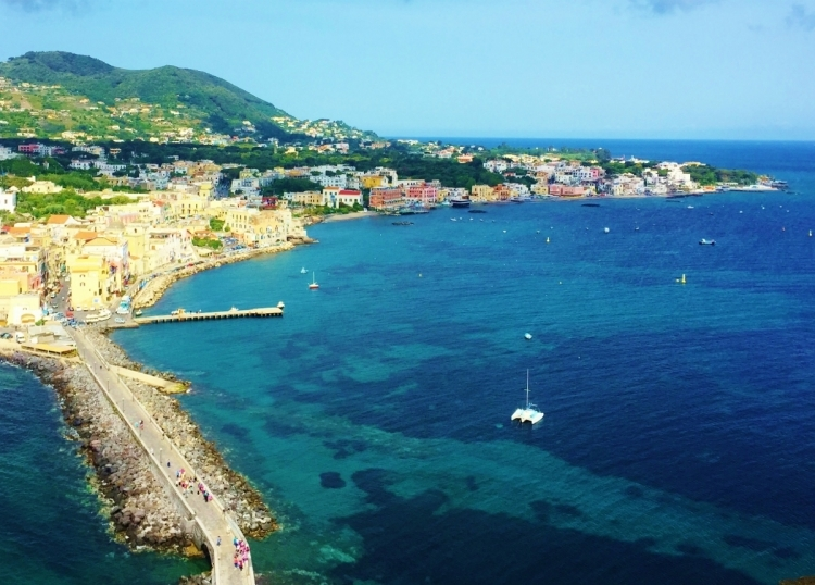 Yacht Charter: Sailing in Italy - The home of Pizza & Prosecco...