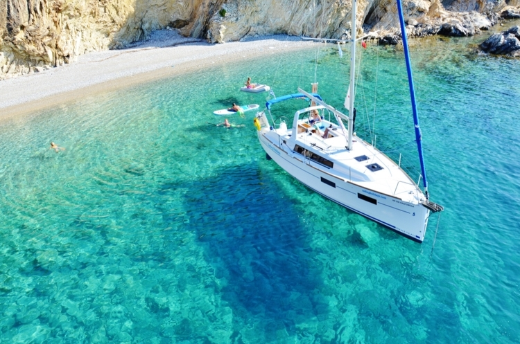 Yacht Charter: Bay Watch - Beautiful Hidden Bays In The Greek Islands