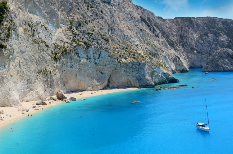 Yacht Charter: Lefkas - Beaches to explore and what to see